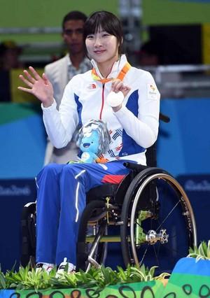의료사고 이긴 서수연 선수 탁구에서 은메달 땄네요
