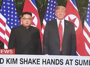 트럼프와 김정은 만났네요