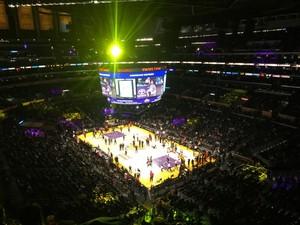 어제, LA Lakers 보러 다녀왔네요 ^^