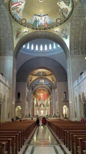 워싱턴 성바실리카 성당의 세 여인.