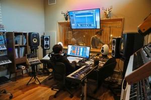 헐리우드에 위치한 음악예술 전문학교 EEI Creat…